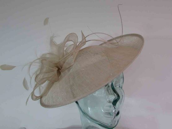 Hatinator with spiral quill in champagne