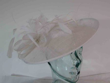 Hatinator with spiral quill in white
