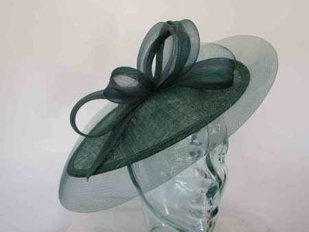 Oval hatinator with crin brim in bottle green