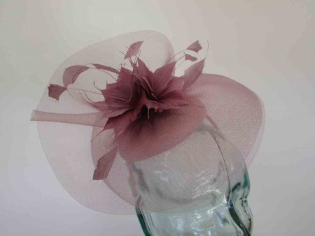 Pillbox with crin and feathered flower in rose