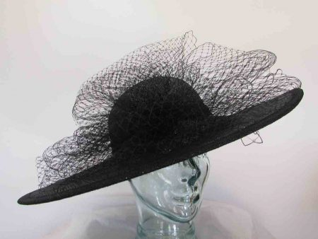 Large circular hat with netting in metallic black