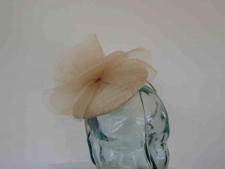 Pillbox fascinator with crin twist in champagne