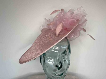 Sinamay hatinator with crin flower and underflower in confetti pink