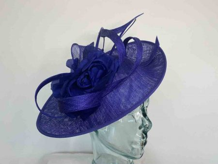 Oval hatinator with double quill in cobalt