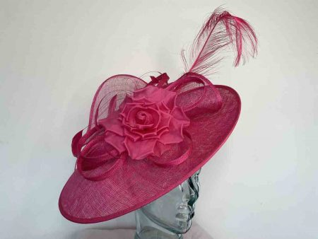 Hot pink hataintor with flower