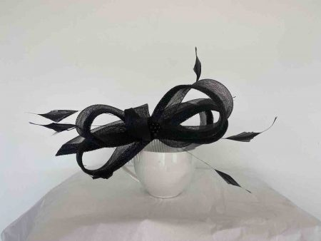 Sinamay and crin looped fascinator in black