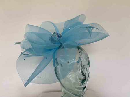 Crin fascinator with diamante in turquoise