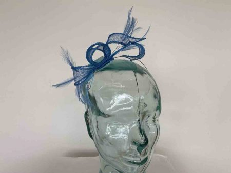 Looped fascinator in bluebell