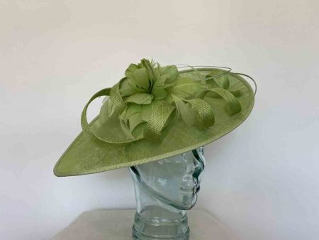 Oval hatinator with flower in new green