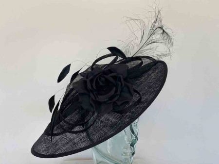 Black hataintor with flower