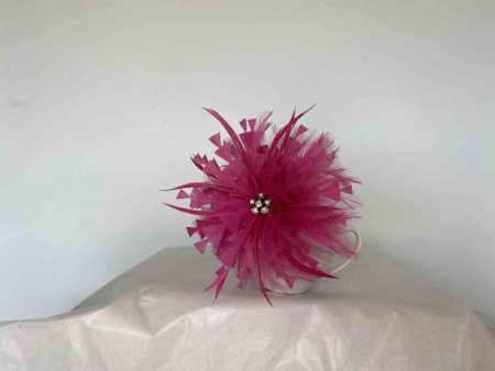 Feather flower with diamante centre in hotpink