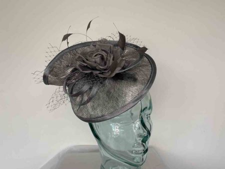 Twisted sinamay fascinator in graphite