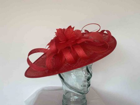 Oval hatinator with flower in red