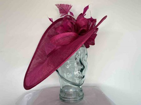 Large hatinator with under flower in raspberry pink