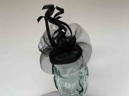 Pillbox fascinator with distressed crin detail in black