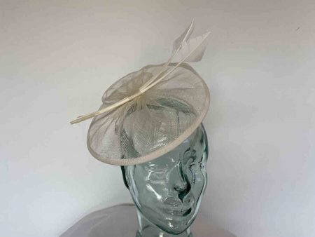 Sinamay disc with triple quill in cream