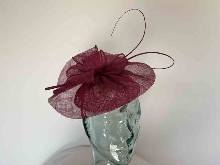 Sinamay disc with bow in damson