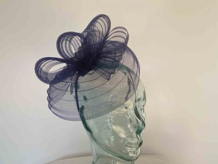 Pleated crin fascinator in navy